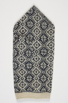 Finely knitted old mitten from Estonia