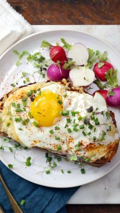 Decadent Croque Madame  Brunch You've never tasted a fried egg-topped ham and cheese sandwich as rich and creamy as this before. Croque Madame Recipe, Queso Frito, Ham Breakfast, Breakfast Sandwiches, Egg Toast, Dried Beans, Ham And Cheese, Fruits And Veggies, Eating Habits