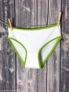 Kostenloses Damen-Unterhosen Schnittmuster von pattydoo aus Bio-Tula-Jersey von stoffe.de. Nähbeispiel von selbermachen-macht-gluecklich.de