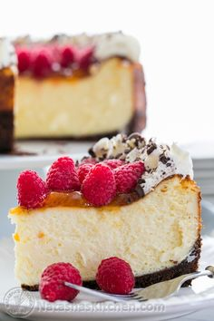 Recipe For Raspberry Apricot Cheesecake with Chocolate Crust - Raspberries, Chocolate and Apricots are a winning combination! This is the best cheesecake I've ever made, or tried. It's creamy, decadent and will excite your taste buds. No Bake Desserts, Just Desserts, Delicious Desserts, Dessert Recipes, Yummy Food, Dessert Food, Cupcakes, Cupcake Cakes, Best Cheesecake