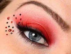 Eye make-up - Red eyeshadow Makeup Geek, Lady Bug Makeup, Makeup Tips, Hair Makeup, Baddie Makeup, Eyeliner Makeup, Makeup Ideas, Maquillaje Harley Quinn, Maquillaje Halloween