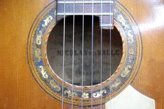://gildeavalle.wordpress.com/2015/11/05/restoration-granada-guitar-maker-benito-ferrer-1845-1925/  OTHER HISTORIC GUITARS