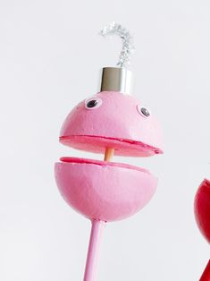 Make a whole choir of these silly singing ornament puppets! Easy Christmas Crafts, Simple Christmas, Christmas Eve, Christmas Decorations, Puppets For Kids, Choir, Happy Holidays, Singing, Charlotte