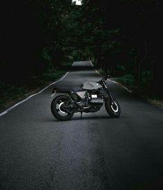 Caféracer Best Mountain Bikes, Mountain Biking, Bike Drift, Bike Photo, Sportbikes, Custom Motorcycles, Bikers, Shadows, Photo Shoot