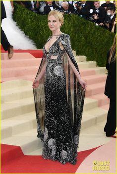 Nicole Kidman in Alexander McQueen with vintage Fred Leighton jewels.