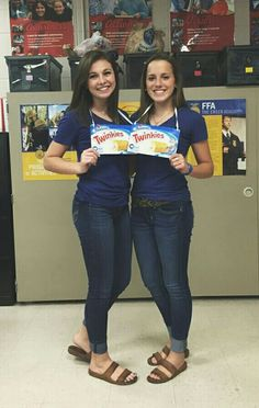 Twin Day Spirit Week At School Dynamic Duos Pinterest Twin Day
