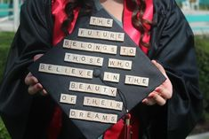 It's grad season again. Here are some ideas to decorate your cap.