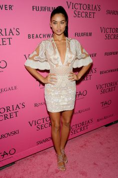 Shanina Shaik Mini Dress - Shanina Shaik looked divine in an intricately embroidered sheer-bodice mini dress by Zuhair Murad at the Victoria's Secret fashion show after-party. Victorias Secret Models, Victoria Secret Fashion Show, Victoria Secret Models Names, Victoria Secret Angels, Victoria Secret Bras, Fashion Shows 2015, Shanina Shaik, Victoria's Secret, Australian Models
