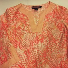 Vineyards Vines Pink Pineapple Tunic Vineyards Vines Pink Pineapple Tunic gently worn. Looks cute as a cover up or with pants Vineyard Vines Tops Tunics