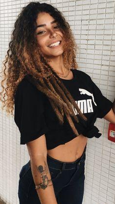 Afro Girl, Curly Girl, Estilo Converse, Curly Hair Styles, Natural Hair Styles, Tumblr Girls, Hair Goals, Beauty Women, Cute Girls