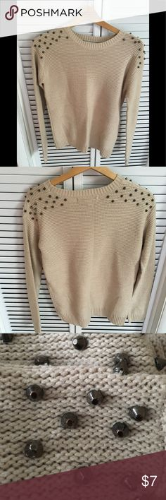 Forever 21 sweater. Good condition in non-smoking home. Forever 21 Sweaters