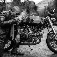 #caferacerculture #motorcycles #caferacer #motos | caferacerpasion.com