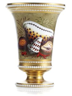 A GROUP OF FLIGHT, BARR AND BARR OR BARR, FLIGHT AND BARR WARES CIRCA 1810-15  each decorated with shells amongst seaweed...