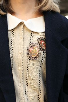 dollymacabre: Such a pretty blouse! From shiftsnap.com