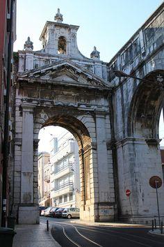 Arcos e linhas, Lisboa, Portugal