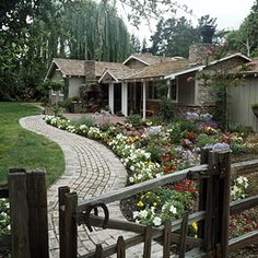 winding path to front walk