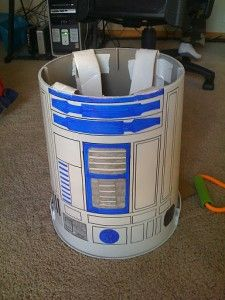 How to make a toddler R2D2 costume.  I know what someone's going to be for Halloween this year...
