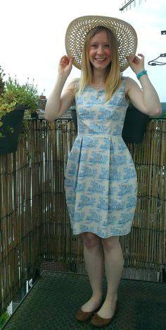 By Hand London Elisalex Dress, for a Wedding! Fabulous Dresses, Simple Dresses, Summer Dresses, Simple Dress Pattern, Dress Patterns, By Hand London, Easy Dress, Couture, Sewing Clothes