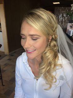 Bride makeup. Wedding makeup. Pink smoked out eye.