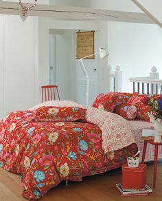 Träumen auf der Blumenwiese mit der Chinese Garden Bettwäsche red von PiP Studio