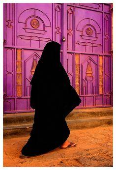 traditional clothing of bahrain, saudi arabia women in traditional clothing,
