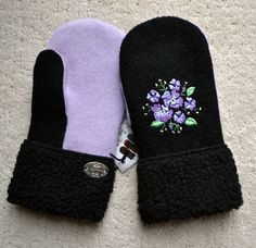 Sweater Mittens, Old Sweater, Felted Wool Crafts, Wool Felting, Recycled Sweaters, Mittens Pattern, Crochet Gloves, Fashion Sewing, Faux Fur