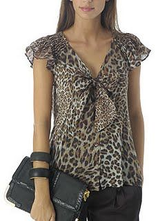 Archivo de álbumes Blouse Patterns, Clothing Patterns, Blouse Designs, Big Girl Fashion, Womens Fashion, Leopard Print Outfits, Modelos Fashion, Animal Print Fashion, Animal Prints
