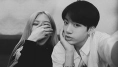 Kpop Couples, Cute Couples, Allisa Violet, Life Hacks For School, Blackpink And Bts, Park Chaeyoung, Big Family, Couple Pictures, Bts Jungkook