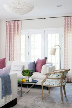 This stylish and family friendly house design showcases modern décor mixed with classic interior design ideas. Washington DC interior designers, Ella Scott Design, transformed this Bethesda Maryland home renovation with fun and comfortable interior design ideas.