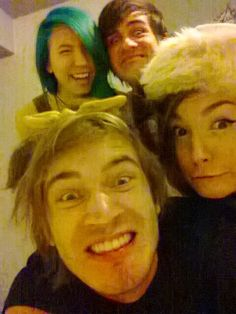 Felix , Mariza , Kalel , and Anthony (PewDiePie, CutiePieMarzia, WonderlandWardrobe, smosh)