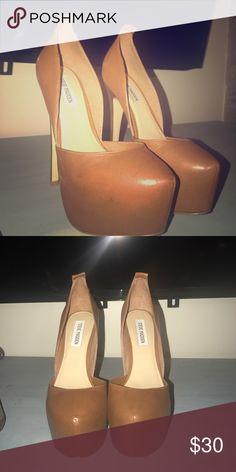 Steve Madden camel brown platform heels Size 8 Steve Madden Shoes Platforms