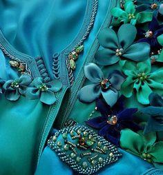 """43 mentions J'aime, 1 commentaires - arabesque inspirations (@arabesque_inspirations) sur Instagram: """"@Regrann from @rabia.chahid.elazhari - De la Collection """"Instant Fleurs"""" Caftan bleu et vert Canard…"""""""