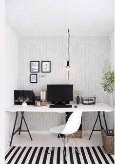 bureau-a-faire-soi-meme-avec-treteaux-planche-melamine-blanc