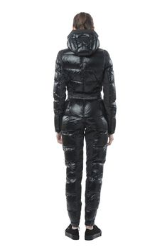 new york fashion 1245 Ski Fashion, New York Fashion, Winter Fashion, Womens Fashion, Fashion Design, Winter Suit, I Love Winter, Cool Jackets, Jackets For Women