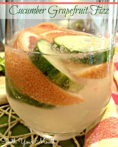 Cucumber Grapefruit Fizz! A sparkling cucumber and grapefruit cocktail with gin or vodka.