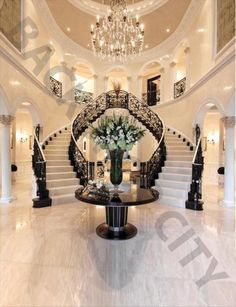 Marble Stair Backdrop Have you been looking for new staircase backdr. Marble Stair Backdrop Have you been looking for new staircase backdrop designs? Luxury Home Decor, Home Decor Trends, Luxury Interior, Home Interior Design, Interior Livingroom, Decor Ideas, Exterior Design, Modern Mansion Interior, Exterior Homes