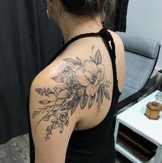 floral-on-backshoulder-michael-bales-rebel-muse-tattoo-floral-tattoo-texas-tattoo-artist-botanical-tattoo-nature-tattoo floral-en-backshoulder-michael-balas-rebelde-muse-tatuaje-floral-tatuaje-de texas-tatto… Nature Tattoos, Body Art Tattoos, Small Tattoos, Girl Tattoos, Back Of Shoulder Tattoo, Shoulder Tattoos For Women, Shoulder Sleeve Tattoos, Flower Tattoo Shoulder, Lotus Tat
