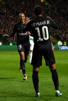 Kylian Mbappe of PSG celebrates scoring his sides second goal with Neymar of PSG during the UEFA Champions League Group B match between Celtic and Paris Saint Germain at Celtic Park on September 2017 in Glasgow, Scotland. Neymar Jr, Football Icon, Football Is Life, As Monaco, Fc Barcelona Neymar, Mbappe Psg, Paris Saint Germain Fc, Kun Aguero, Santiago Bernabeu