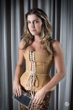 Look do Dia com Corselet por Cris Vallias | Cris Vallias - http://modatrade.com.br/look-do-dia-com-corselet