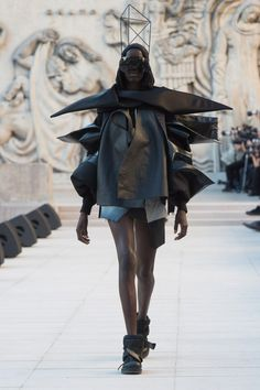f7d2c589fc23 All the Spring 2019 Ready-to-Wear fashion show coverage in one place.