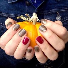 Beautiful Fall Nails!! Jamberry Apple Cider wrap with a TruShine Black Cherry gel accent nail. Shop at https://cariyoung.jamberry.com/ . Photo from randr4ever