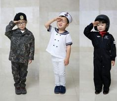 October 1 is Armed Forces Day in South Korea, and the Song triplets Daehan… Cute Kids, Cute Babies, Father Songs, Batman And Robin 1997, Song Il Gook, Triplet Babies, Superman Kids, Man Se, Song Triplets