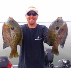 An overview of how to catch Bluegill with baits and lures. Tips for fishing for Bluegill. Fly Fishing Tips, Crappie Fishing, Gone Fishing, Kayak Fishing, Fishing Boats, Fishing Basics, Fishing Kit, Fishing Tricks, Fishing Stuff