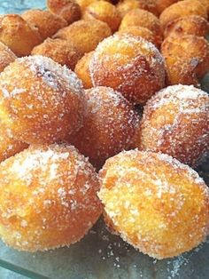 Buñuelos de Cuaresma- the famous lent doughnuts that are eaten during the pre-easter feast period. Beignets, Spanish Desserts, Spanish Dishes, Mexican Food Recipes, Sweet Recipes, Dessert Recipes, Delicious Desserts, Yummy Food, Latin Food