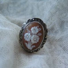 Antique Cameo Ring in Sterling Silver