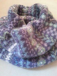 Ravelry: unbiased's Fair Isle Cowl knit in #CEY_Yarns #Fresco.