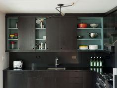 我們看到了。我們是生活@家。: 紐約的設計廚房,質感好棒!來自設計公司Workstead的作品