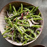 Green beans with chive/lemon vinagrette and pine nuts