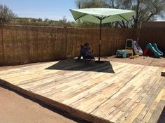 Wood Pallet Deck  Total cost $7. For saw blades!