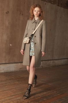 Red Valentino Pre-Fall 2018 Collection Photos - Vogue